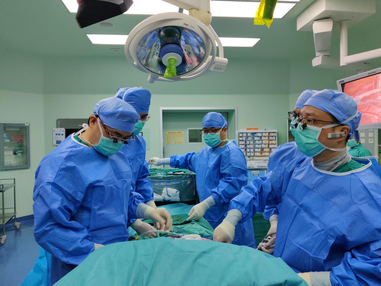 """多学科联合诊治!广州医生为""""换肾人""""成功施行心脏微创手术"""