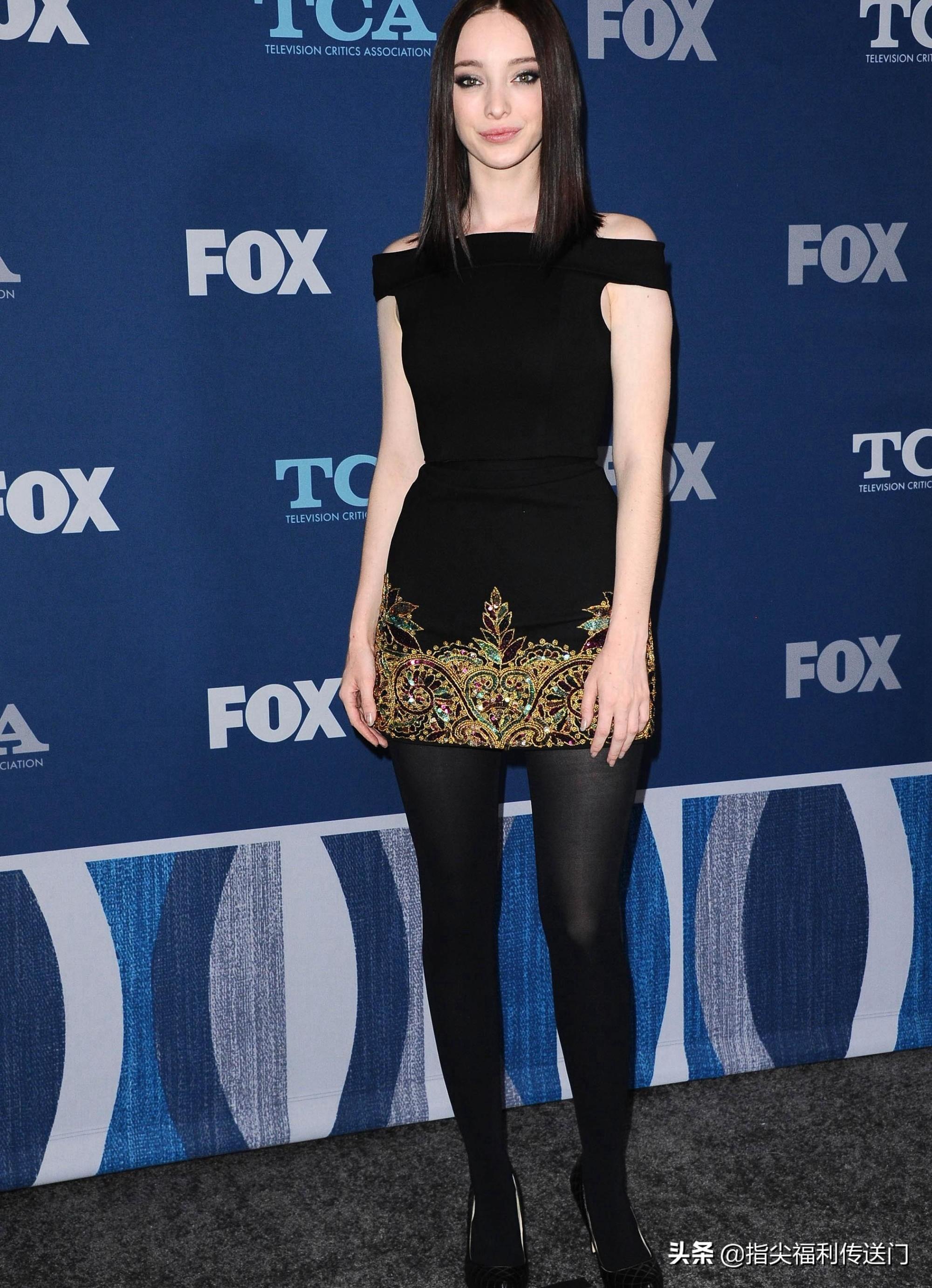 X战警北极星,艾玛·杜蒙特,超短裙高跟鞋,自信亮相