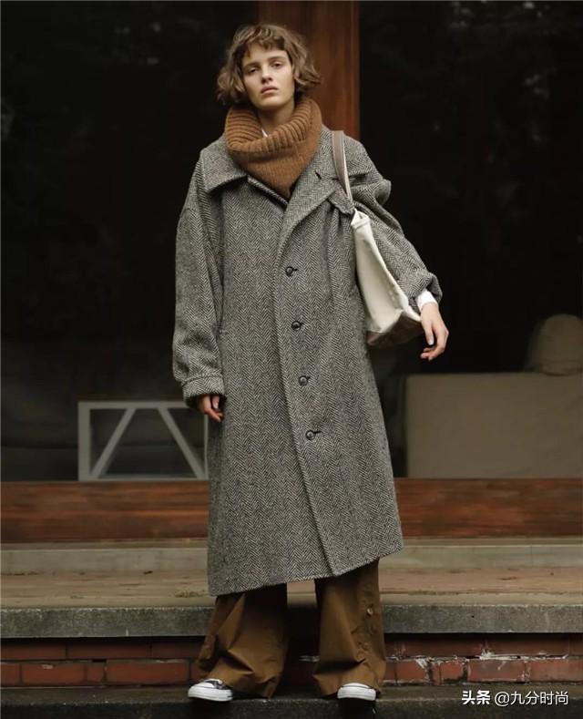 """穿衣得体是一种教养,今年流行的""""日系风"""",不装嫩不显老刚刚好"""