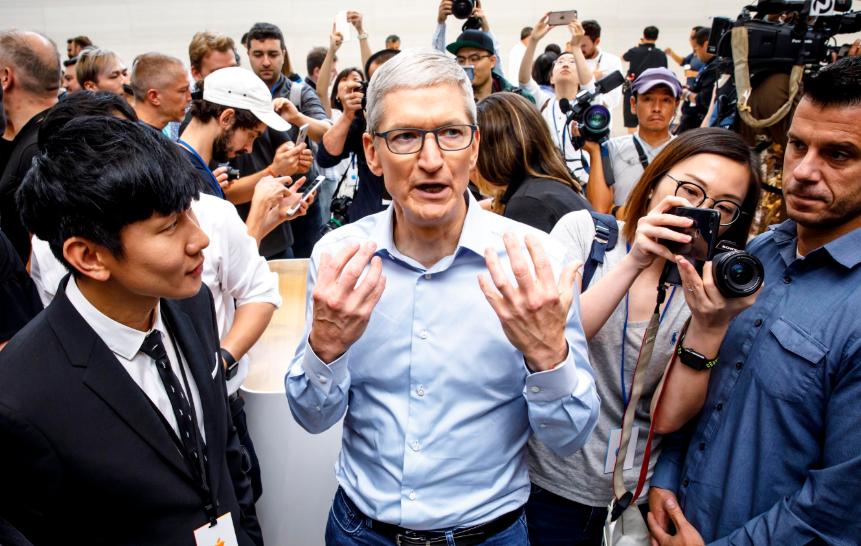不买iPhone12是对的!库克在新机上让步,四大转变显至心