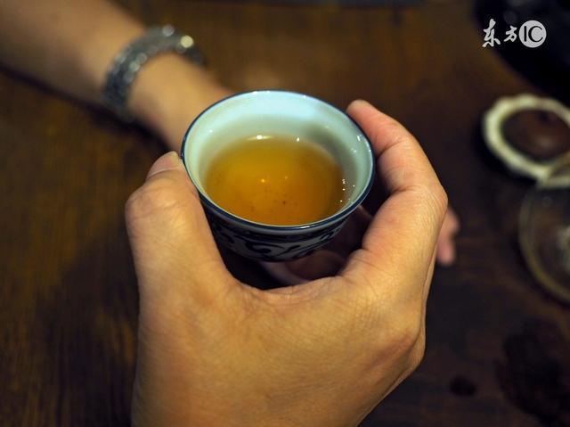 开茶叶店赚钱吗
