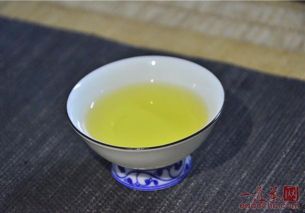 常炒作陈年普洱茶是指生普洱还是熟普洱