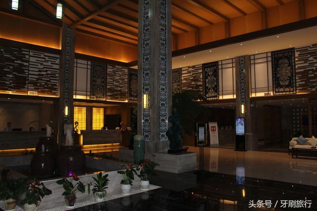 重庆哪些温泉附近有不错的CS场地的温泉?