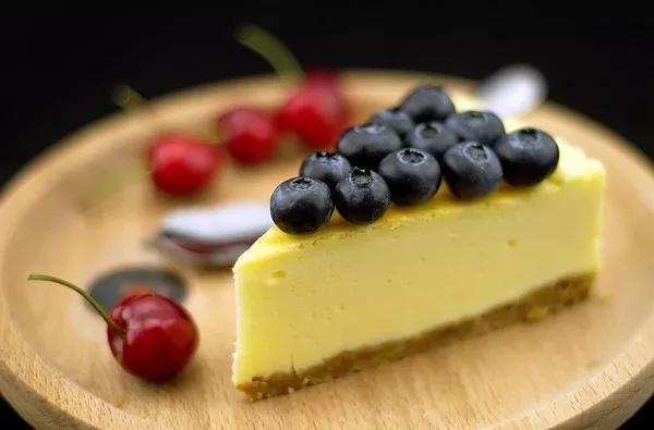 轻乳酪蛋糕表面为什么是皱皱的