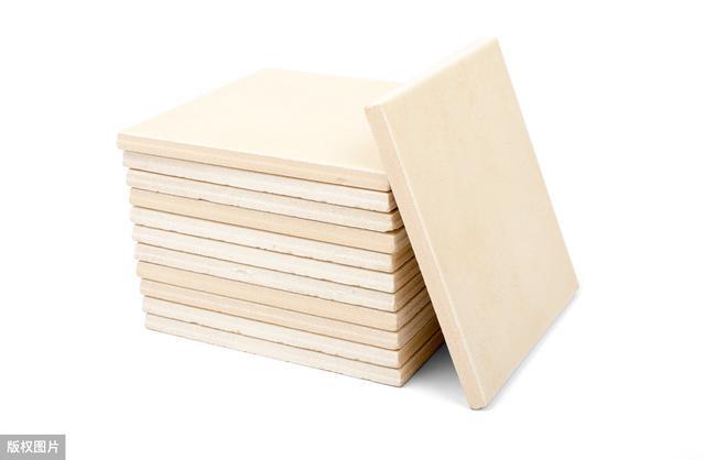 地板和瓷砖一对比,优缺点体现的很明显,教你看房子选材料