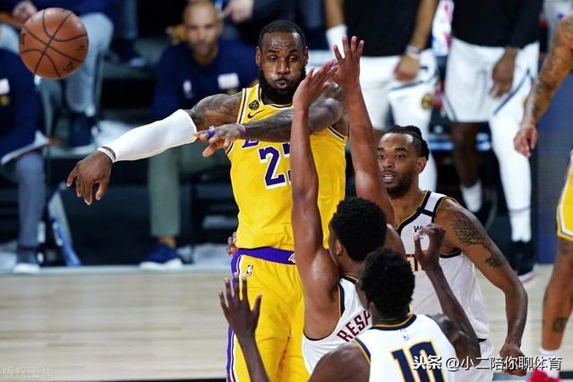 湖人队结束常规赛,得分助攻两不误,詹姆斯超纳什成NBA历史首人