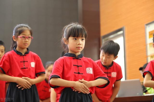 有教养的孩子必备的15条礼仪,你家孩子做到了吗?