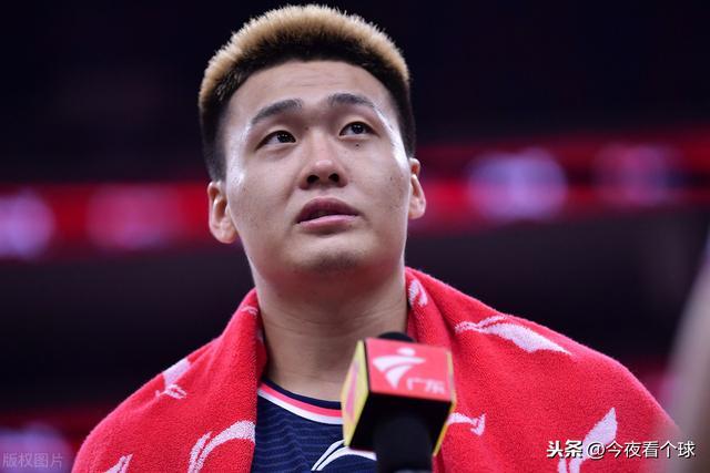 广东宏远队医透露赵睿伤势,季后赛将复出冲击第十冠