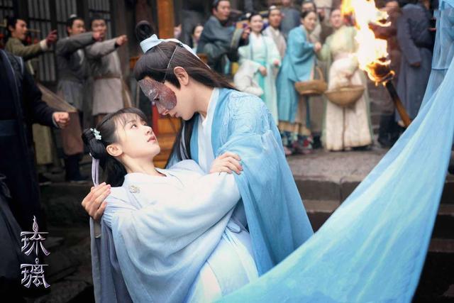 周峻纬凭《琉璃》获赞,22岁就已结婚的他,能否复制任嘉伦的成功