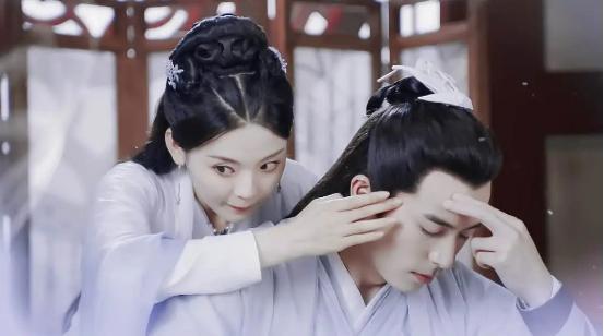 《且听凤鸣》:君临渊与凤舞共度一夜,说了句许多女孩想听的情话