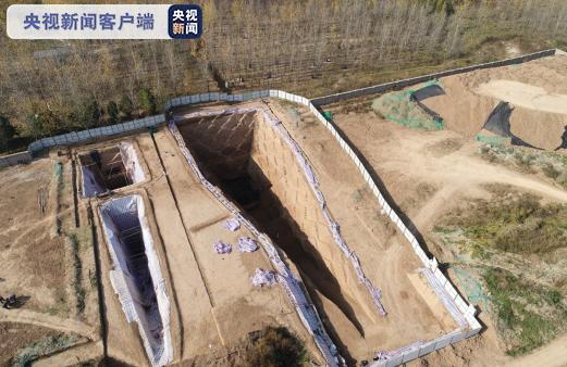 西安白鹿原发现西汉早期大型墓葬 出土2200多枚玉衣片
