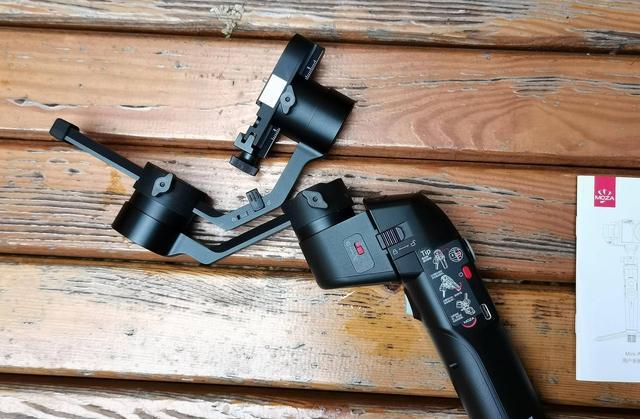 拍vlog最主要的是方便,折叠起来带着走的魔爪Mini-P体验