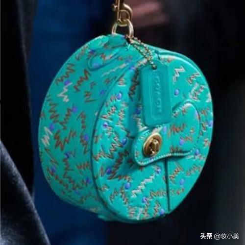 女生的包包一定要拿得出手,這6款包包顏值很高,值得剁手