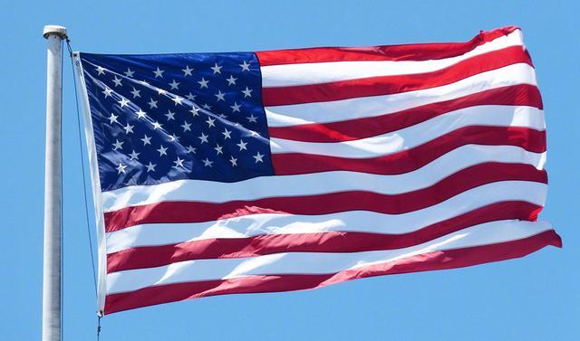 「每日12条新闻简报·详版」2020年放弃美国国籍者创新高