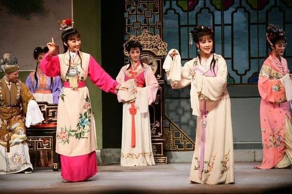 比较世界三大古老戏剧的起源