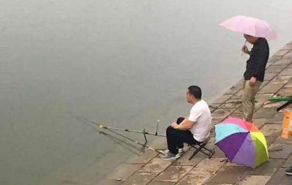 夏天下雨天好钓鱼吗