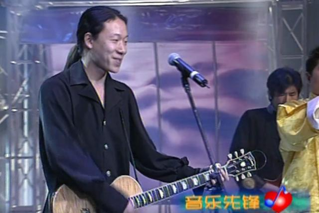 这段老视频突然爆火:那一年大张伟17岁,彭磊24岁…