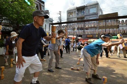 日本鼓励企业允许员工在自愿情况下将退休延至70岁