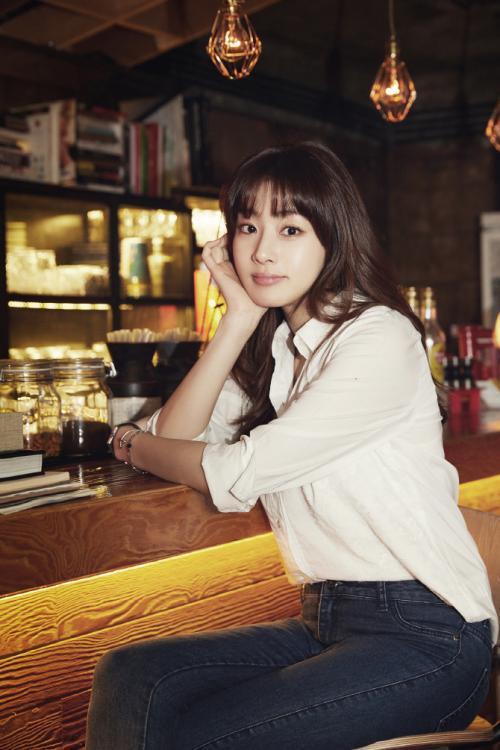 玄彬前女友姜素拉宣布结婚,老公身份显神秘,曾瘦52斤闯进娱乐圈