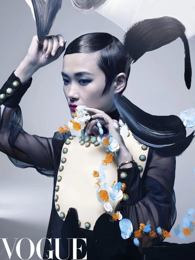 李宇春手绘大片,充满浪漫的艺术气息。