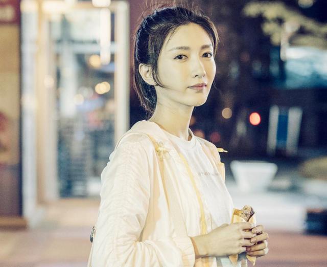 三十而已江疏影坎坷感情史,被杜江追三年,与胡歌相恋一年分手