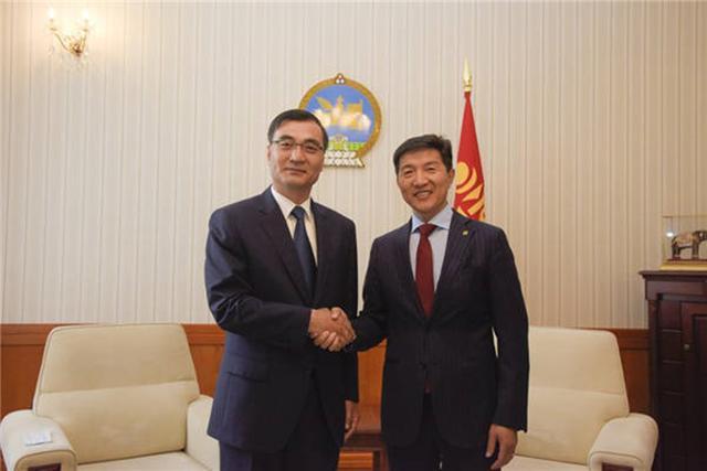 蒙古国没让人失望,关键时刻,送来一份沉甸甸大礼,足足3万只