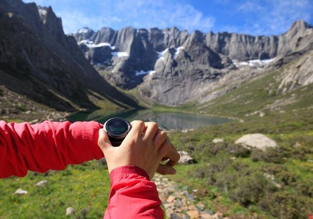 户外登山手表哪几个牌子好?推荐这几款登山手表人气排行榜