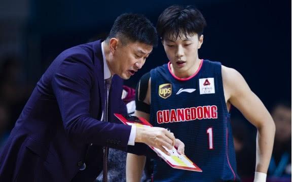 广东男篮俱乐部对万圣伟如此有情家人怎么看呢?