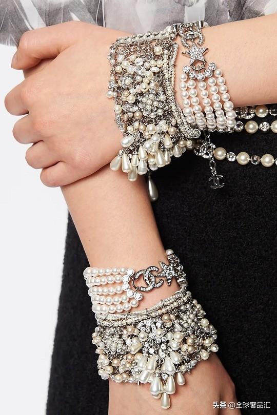 香奈儿2020高级手工坊系列服饰珠宝:蝴蝶结和星星元素