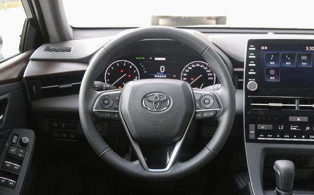 B+级轿车之间的强强对话,别克君越和丰田亚洲龙谁更出风头?