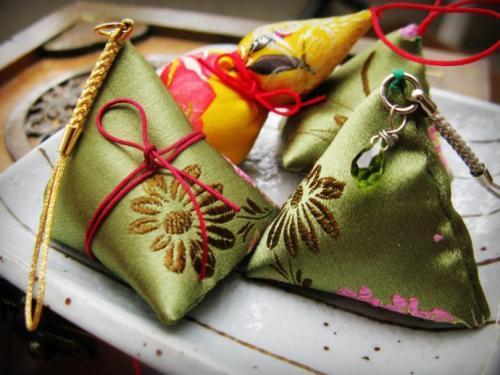 荷包香,可香衣驱毒,七彩香包组成端午祛疫祈福的文化习俗