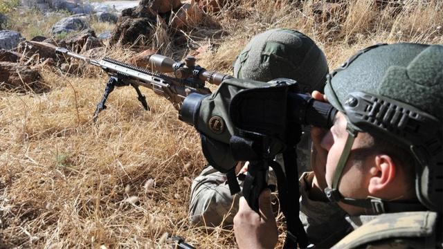应对土耳其入侵!伊拉克突然下令增兵,大批重装备奔赴边境线