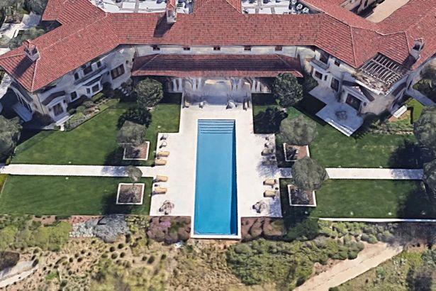 哈里梅根意外曝光在美豪宅,价值超1亿,还雇了私人安保守大门