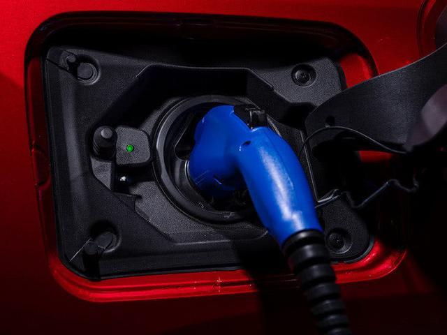 一汽豐田RAV4 PHEV明年投產 價格預計30萬元左右