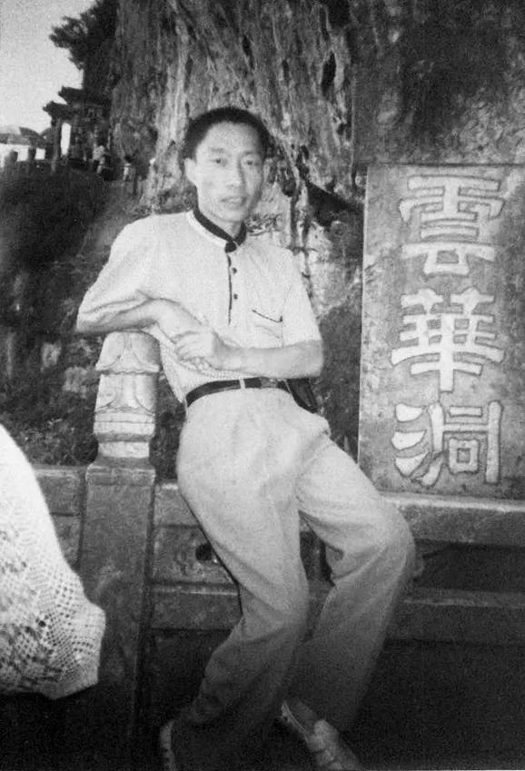 """内蒙古""""教父级黑老大"""":让政法委替他买单,性行贿官员时录音录像"""