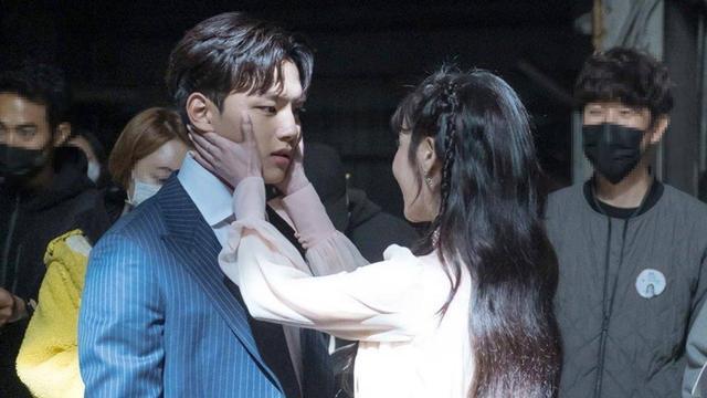 从金秀贤的《星你》到李准基的《恶之花》,韩剧总是赢在一个新字