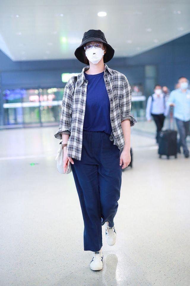 瘦身太难!蒋欣穿两年前旧衣很节俭,身材却反弹变胖气质都变了