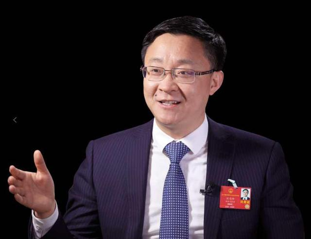 科大讯飞刘庆峰两会建言:优化税收政策,提升科技企业全球竞争力