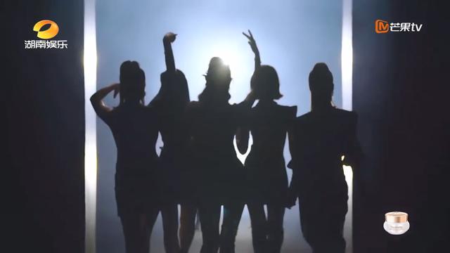 《乘风破浪的姐姐》到底挖出了多少自信满满的宝藏歌手?