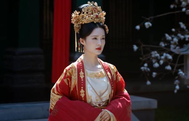 锦绣南歌:黑衣人浮出水面后,才知剧中最苦的不是王妃