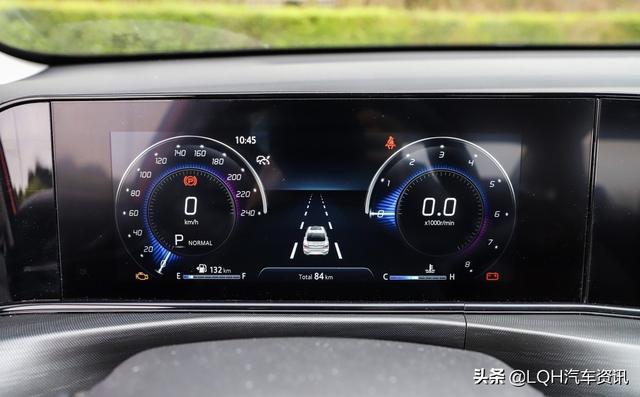 """自主品牌的两匹""""黑马"""",最低6.89万,荣威i5、逸动PLUS怎么选?"""