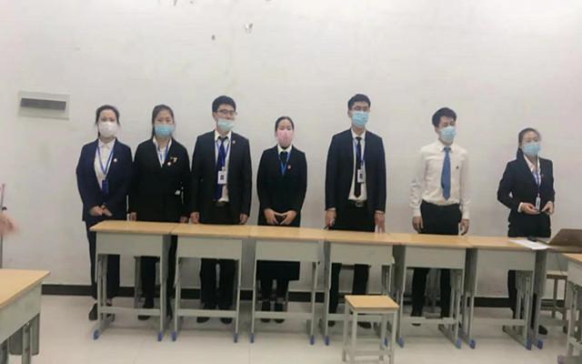 女子部中文系的老师们对同学们的表演赞不绝口