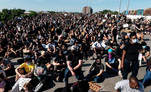 弗洛伊德运动堪称美国史上规模第一,超过2600万人参加了示威