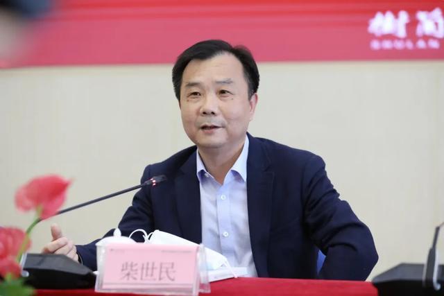 杭州区委、区政府领导莅临树兰,看望慰问援鄂白衣战士