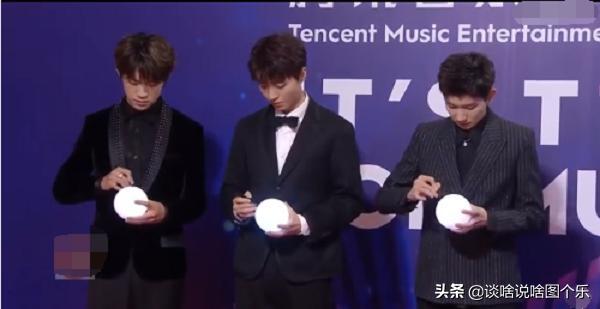 年度音乐盛典张艺兴获四奖,蔡徐坤喜提畅销EP奖,是否实至名归