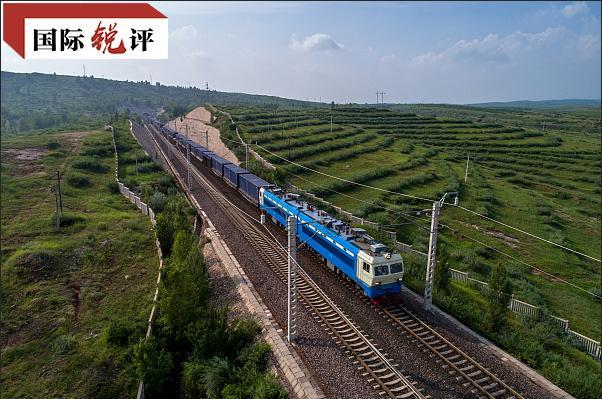 国际锐评丨中国的外贸越稳 全球产业链越畅通