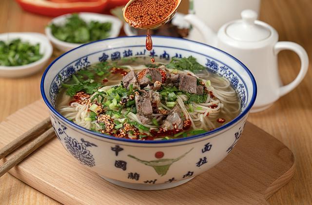 """中国十大面条,""""面面""""有特色,""""条条""""味道好,全吃过的人不多"""
