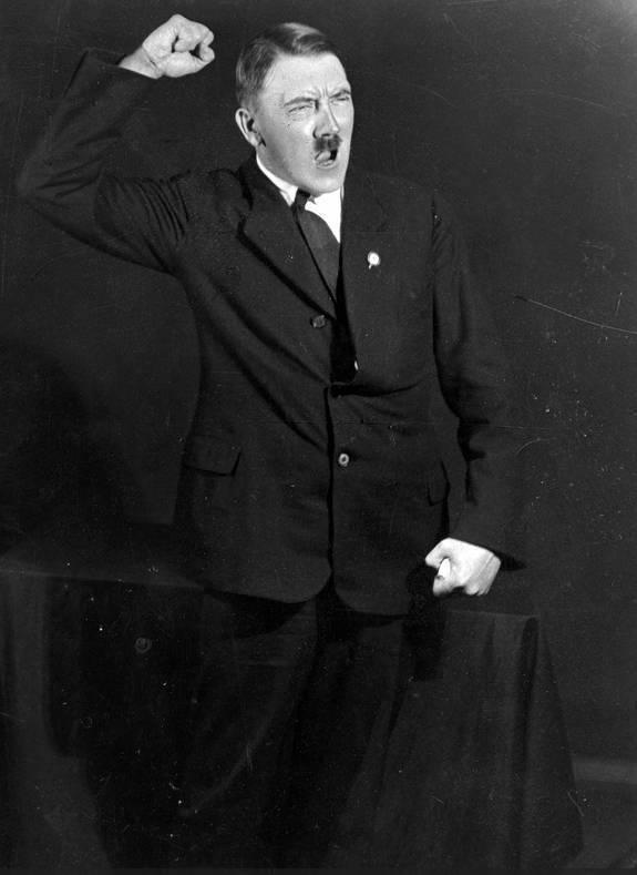 希特勒想毁却没毁掉的照片