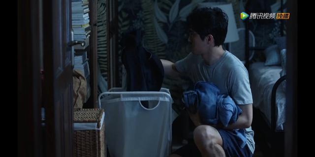《三十而已》:送礼物永远只送招财猫的陈屿,他是真的爱晓芹吗