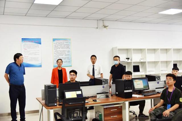 江苏省三星级职业学校评估专家组莅临我校开展检查验收工作
